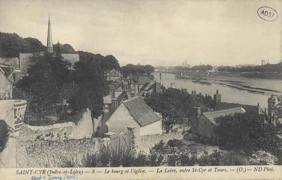 Le bourg et l'église - [Saint-Cyr-sur-Loire]